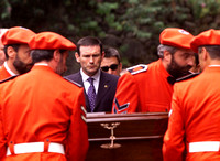 Ibarretxe looks at the coffin of killed policeman